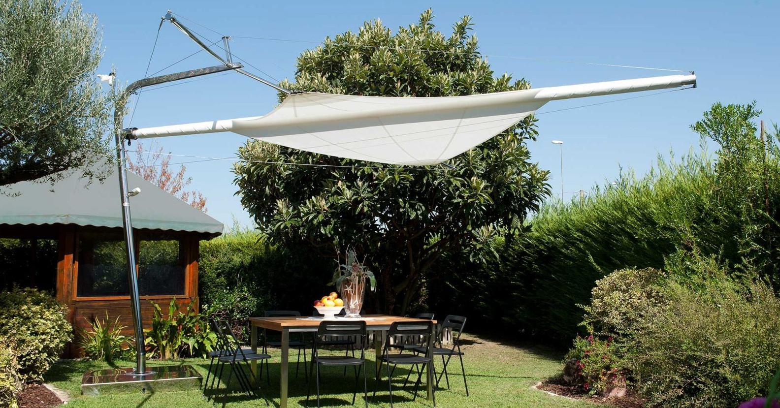 Vela ombreggiante per giardino semiaperta
